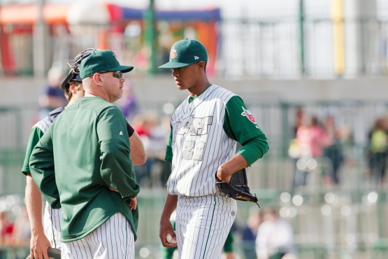 Joe Ross meets with pitching coach Willie Blair. (Photo by Jeff Nycz)